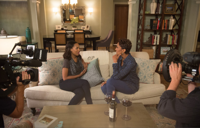 Robin Roberts Meet Kerry Washington On Set