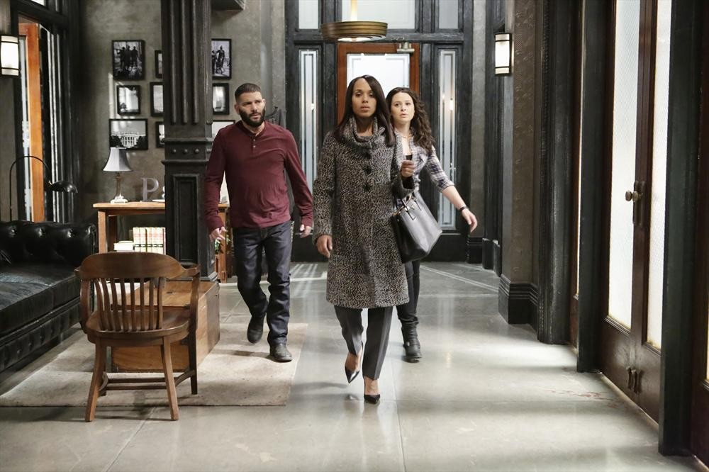 GUILLERMO DIAZ, KERRY WASHINGTON, KATIE LOWES