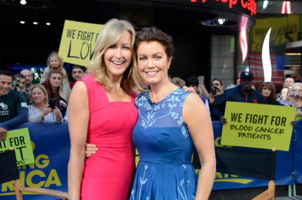 """GOOD MORNING AMERICA - Bellamy Young from """"Scandal"""" appears on GOOD MORNING AMERICA, 5/14/15, airing on the ABC Television Network.  (ABC/Ida Mae Astute)  LARA SPENCER, BELLAMY YOUNG"""