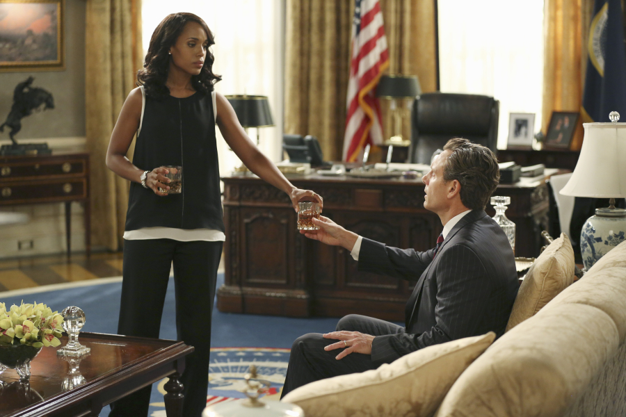 "SCANDAL - ""Paris is Burning"" - Olivia and Fitz face some very big consequences and Mellie brings in an old friend to make sure she gets her way. Meanwhile, Abby shows Olivia she is fully capable of handling working at the White House, on ""Scandal,"" THURSDAY OCTOBER 8 (9:00-10:00 p.m., ET) on the ABC Television Network. (ABC/John Fleenor) KERRY WASHINGTON, TONY GOLDWYN"