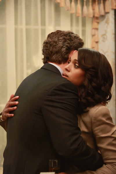 "SCANDAL - ""Even the Devil Deserves a Second Chance"" - While Fitz is focused on winning back the American people, he makes a shocking discovery. Meanwhile, OPA takes on a new client, but Olivia seems preoccupied keeping her own secrets, and Elizabeth North sets her sights on a new agenda, on ""Scandal,"" THURSDAY, NOVEMBER 5 (9:00-10:00 p.m., ET) on the ABC Television Network. (ABC/Ron Tom) TONY GOLDWYN, KERRY WASHINGTON"